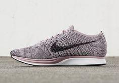 Nike Flyknit Racer Macaroon: Light Violet