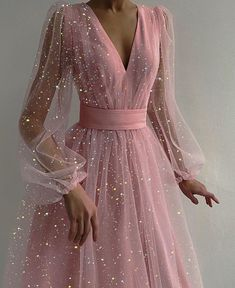 25 Pretty Makeup Looks to Try in 2019 Pretty Prom Dresses, Elegant Dresses, Cute Dresses, Beautiful Dresses, Formal Dresses, Grad Dresses, Different Prom Dresses, Baby Pink Dresses, Pink Wedding Dresses