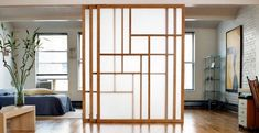 cloison coulissante à trois panneaux dans le style japonais