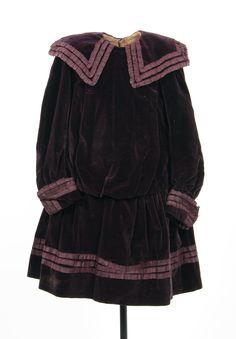 Girl's dress, ca. 1900