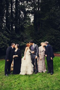 Such a great shot idea! The parents + the newlyweds.