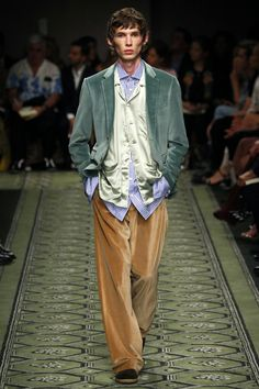 Burberry   Ready-to-Wear Spring 2017   Look 40