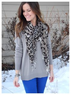 love a big sweater over skinny jeans #sweater #makeover www.glamdesignsmakeover.com