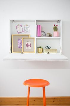Diy desk 162481499040236148 - The perfect petite workspace for a small home or apartment, this chic DIY desk drops down when you need it and folds away when you don't. Source by hgtv Wall Mounted Desk, Wall Desk, Diy Furniture Redo, Space Saving Furniture, Pipe Furniture, Furniture Vintage, Furniture Design, Fold Away Desk, Murphy Desk