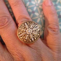 "Totally Glam ring Beautiful gold tone ring. Excellent condition. Not sure of size but fits like 6. Diameter Measures 2cm (or .75"") Jewelry Rings"