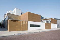 La introvertida casa holandesa de Pasel Kuenzel Architects