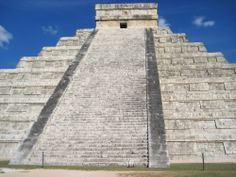 el castillo pyramid of kukulkan chichen itza by MyTripolog.Com