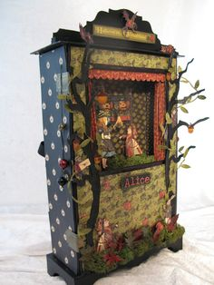 annes papercreations: Halloween in Wonderland puppet theatre and mini album