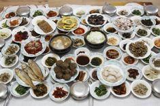 [추천 맛집 17- 평생 꼭 한번 가봐야 할 '한국의 맛집 33 곳] 맛집은 많다. 그러나 가장 오랫동안 기억에 남는 것은 역시 '가슴에 남는 음식'이다. : 네이버 블로그 Korean Dishes, Korean Food, Food Design, Table D Hote, K Food, Food Art, World's Best Food, Asian Recipes, Ethnic Recipes