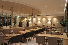 Das #Café Dreher erstrahlt rundum in neuem Glanz. Hier werden die #Gäste neben vielen Leckereien mit einer außergewöhnlich gemütlichen #Einrichtung verwöhnt. #Objekteinrichtung, #Gastronomiemöbel, #Einrichtung Bäckerei & Café, #MADEINGERMANY, #Inneneinrichtung, #Gastronomieeinrichtung. www.schnieder.com