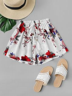 To find out about the Fringe Drawstring Waist Floral Shorts at SHEIN, part of our latest Shorts ready to shop online today! Grunge Style, Soft Grunge, Tokyo Street Fashion, Short Outfits, Cute Outfits, Stylish Outfits, Mens Fashion, Fashion Outfits, Fashion Trends