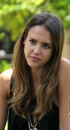 Jessica Albas casual hairstyle - ombre color