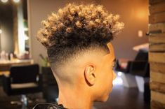 Check out our brand new guide to the most popular men's hairstyles and cool new haircuts. The best hairstyles for men created by the best barbers! Black Hairstyles Sew In, Popular Mens Hairstyles, Black Men Haircuts, Cool Mens Haircuts, Stylish Haircuts, Great Haircuts, Cool Hairstyles For Men, Hairstyles Haircuts, High Skin Fade Haircut
