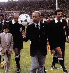 Le Roi Hassan 2, Morocco, Soccer, King, Sports, Clothes, Royal Families, Accessories, Hs Sports