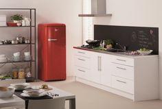 Krijtbord(verf) boven aanrecht! De nieuwe retro-koelkast van Pelgrim; een blikvanger voor je keuken