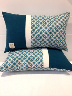 Linen Cushion Cover Teal and Turquoise Color Block Pillow Cover~Blue Quatrefoil Throw Pillow Cover~Unique Pillow Diy Cushion Covers, Cushion Cover Designs, Throw Pillow Covers, Throw Pillows, Burlap Pillows, Sewing Pillows, Decorative Pillows, Modern Pillows, Creation Deco