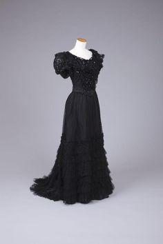 1900-1909  Black Net Dress W/ Short Puff Sleeve. Goldstein College of Design.