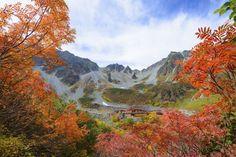 Kamikochi© iStockphoto  Dit kleine stadje ligt vlakbij de Japanse Alpen en vormt een goede uitvalsbasis om dit prachtige natuurgebied te voet te verkennen.