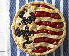 Cherry and Blueberry Pie - Daisy Brand - Sour Cream & Cottage Cheese Patriotic Desserts, 4th Of July Desserts, Fourth Of July Food, Köstliche Desserts, Delicious Desserts, Dessert Recipes, July 4th, Dinner Recipes, Sour Cream Cheesecake