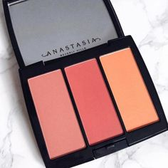 Full-pigmented blush for buildable intensity with a seamless finish. Layer shades of Anastasia Beverly Hills Blush Trio for a multi-dimensional look. Makeup Kit, Skin Makeup, Makeup Inspo, Makeup Eyeshadow, Makeup Blush, Urban Decay Makeup, Benefit Cosmetics, Beauty Skin, Beauty Makeup