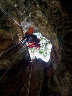 Le grand rappel à la Grotte de la Salamandre Caves, Salamanders, Tourism, Cave