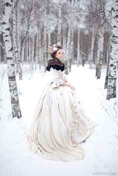 Russian Wedding Dress-lieschenr: photo by snowmice makeup by Эля Саярова (Elya Sayarova) Pretty Dresses, Beautiful Dresses, Amazing Dresses, Beautiful Things, Moda Medieval, Russian Winter, Russian Wedding, Winter Wonderland Wedding, Winter Wonderland Costume