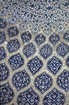petitcabinetdecuriosites:    (via IRA 0135 Sheik Lotfallah Mosque, Isfahan in Iran | Pattern in Islamic Art)