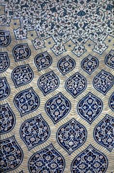 petitcabinetdecuriosites:    (via IRA 0135 Sheik Lotfallah Mosque, Isfahan in Iran | Pattern in Islamic Art)