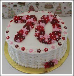 Výsledok vyhľadávania obrázkov pre dopyt birthday cake ideas for mum 90th Birthday Cakes, Birthday Cakes For Women, Fondant Cakes, Cupcake Cakes, Cupcakes, Beautiful Cakes, Amazing Cakes, Cool Cake Designs, Cake Blog