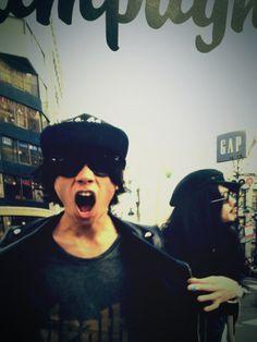 [Champagne]川上洋平・庄村聡泰2013/3/28「ROCKIN'ON JAPAN」5月号 Che Guevara, Captain Hat, Hats, Champagne, Hat, Hipster Hat