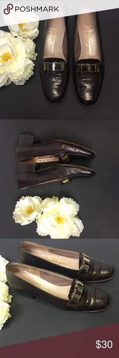 """SALVATORE FERRAGAMO CROC EMBOSSED LEATHER SALVATORE FERRAGAMO Pumps  6 Extra Narrow  *                                                                                              Brand: Salvatore Ferragamo * Style: Pumps * Color: Brown * Material: leather  * Size:6 B * Width: ExtraNarrow * Heel: Block1 3/4"""" * Pattern: Animal Print (Croc) * Country/Region of Manufacturer: Italy * Condition: Excellent Used Condition (Significant wear to bottom soles in side logo fading slightly scratched…"""