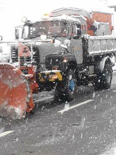 Aston Martin, Track, Outdoor, Bern, Truck, Snow, Outdoors, Runway, Trucks
