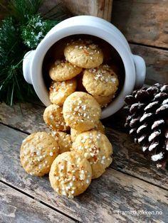 Serinakaker - Fra mitt kjøkken Stuffed Mushrooms, Sweets, Cookies, Vegetables, Desserts, Food, Bakken, Stuff Mushrooms, Crack Crackers