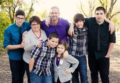 Large family poses Extended Family Photos, Large Family Poses, Family Posing, Big Group, Photo Ideas, Couple Photos, Couples, Photography, Shots Ideas