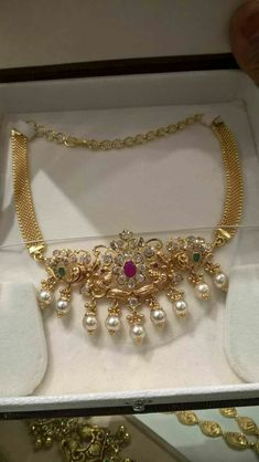 Have you been looking for qualityindian fashion jewelry online, indian jewelry, also indian antique jewelry,.Learn more at internet site simply click the bar for additional detail :- Indian Jewellery Design, Indian Jewelry, Jewelry Design, Handmade Jewellery, Gold Jewelry Simple, Silver Jewelry, Simple Necklace, Diamond Jewelry, Antique Jewelry