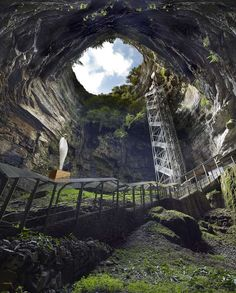100 meters underground on the rivers of the Gouffre de Padirac: Looking up from the Gouffre de Padirac