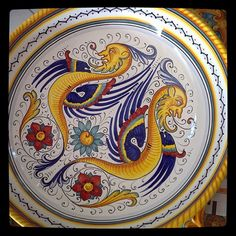 #sberna #art #pottery #ceramics #deruta #madeinitaly #love #handmade #drawing #handpainted #handcraft #colours #plate #raffaellesco #dragon #flowers #yellow