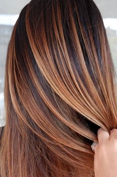 Amazing Caramel Balayage That You Can Do At Home Hair Color caramel hair color Brown Hair Balayage, Brown Blonde Hair, Brunette To Blonde, Balayage Brunette, Light Brown Hair, Hair Color Balayage, Caramel Balayage, Dark Brown, Dark Blonde