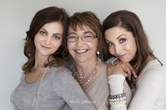 Photography Poses Family Of Three Mother Daughters 61 Ideas Family Portrait Poses, Family Picture Poses, Family Portrait Photography, Family Posing, Photography Poses, Family Photos, Mother Daughter Pictures, Mothers Day Pictures, Mother Daughters