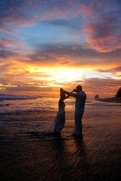 Gorgeous beach wedding sunset at Florblanca