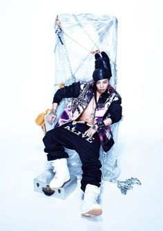 , Big Bang's maknae Seungri shared a new teaser image of the group's leader G-Dragon via his me2day page along with the words, 'GD is Alive'. #allkpop #kpop #bigbang