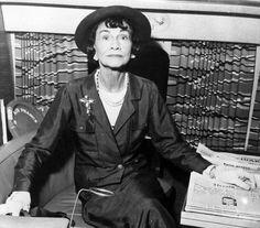 ac112e8788 7 dolog amivel megváltoztatta a divatot Coco Chanel. 45 éve, hogy nincs már  köztünk