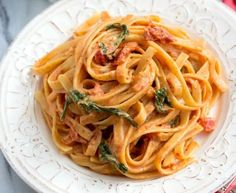 This Sundried Tomato Fettuccine will be a family favorite! Greek Recipes, Keto Recipes, Cooking Recipes, Healthy Recipes, Cookbook Recipes, Food And Drink, Vegetarian, Pasta, Dinner