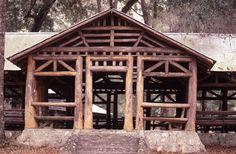 Filename: oln-picnic-billbettilyon.jpeg Description: Round Wood Build at O