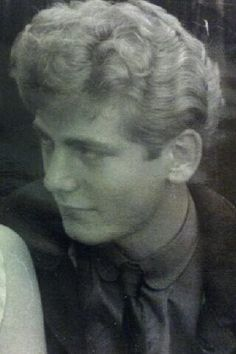young Robert Plant