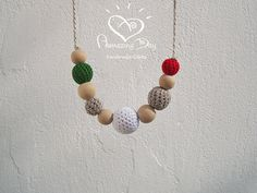 Green White Red Teething Necklace, Crochet CHRISTMAS Nursing Necklace, ITALY Baby wearing Necklace Organic Eco friendly Modern Mom Gift 2014