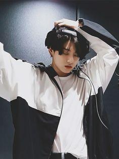 Bts Jungkook, Jungkook Mignon, Namjoon, Jungkook Lindo, Hoseok, Foto Bts, Beatles, Jeongguk Jeon, Kpop