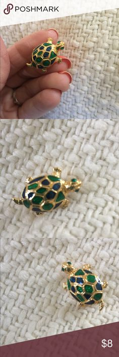 """Gold Tone & Enamel Turtle Brooch Too cute little Turtle Brooch.Gold tone & enamel.Measure 1"""" X1/2"""". excellent condition Jewelry Brooches"""
