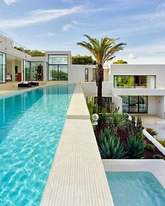 designed-for-life: Casa Jondal is modern dream home designed by architect Jaime Serra in Ibiza, a Mediterranean island with architecture like this modern home.