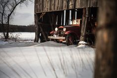 An antique firetruck in a barn in Old Deerfield. Its that time of year again when blustery wind whips over snowscapes swirling snow up like twisters. So much for spring. Canon 5d mii equipped with a Pentax SMC 35mm manual focus lens. #photography #classiccars #firetruck #OldDeerfield #photography #art #Canon #pentaxglass #photographerslife #igers413 @igers413 #othersidema #NewEngland #snowscape #snow